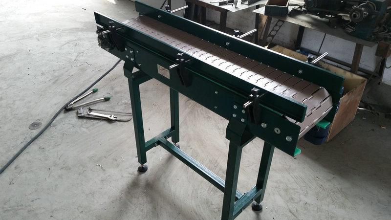 压铸件链板输送机